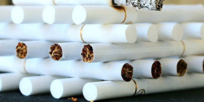 空港の免税店のタバコのバラ売り