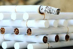 積み重なったタバコ