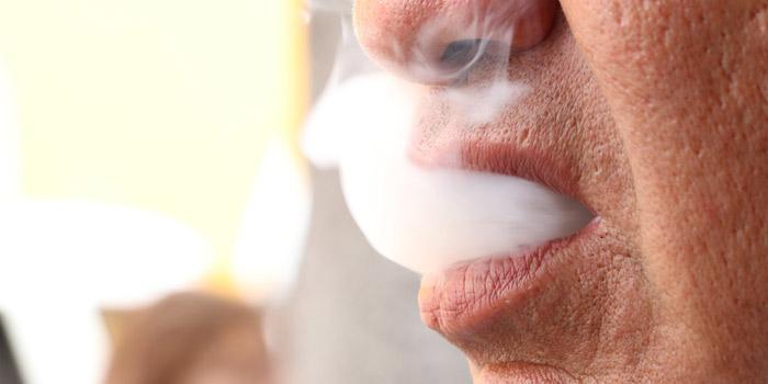 葉巻とタバコの有害性について詳しく解説