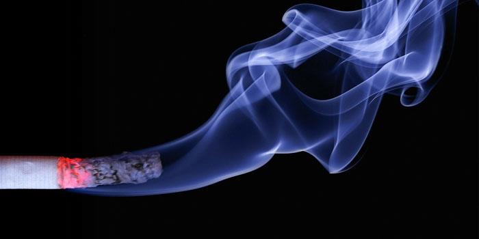 タバコの吸い方1