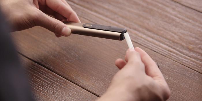 タバコスティックの挿入