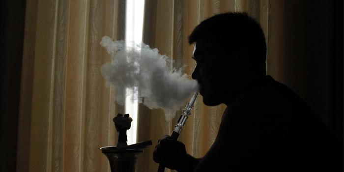 加熱式タバコ・電子タバコ・シーシャの吸い方